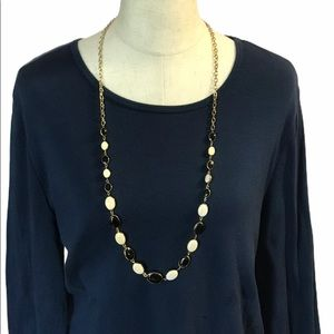 JC PENNY CHAIN NECKLACE BLACK AND CREAM BEADS